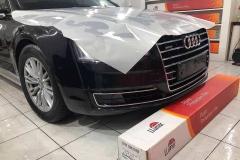 Защита кузова пленкой Llumar автомобиля Audi A8,в сервисном центре Llumar Винница