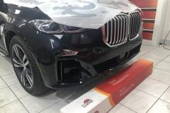 Покрытие антигравийной пленкой автомобиля BMW X7