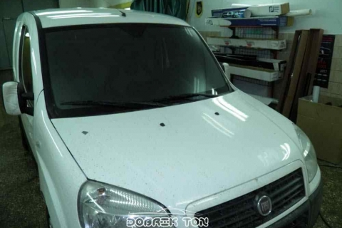 Тонировка лобового стекла Fiat, после поклейки пленки