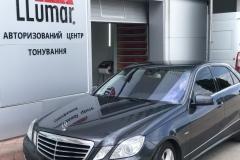 Тонировка лобового стекла атермальной пленкой автомобиля Mercedes