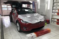 Бронировка автомобиля Tesla