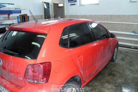 Тонировка стекол авто Volswagen Golf, промежуточная стадия